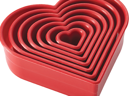 red-heart-shaped-bakeware
